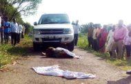 उमेदवार महिलेचा प्रचारादरम्यान स्वतःच्याच गाडीखाली चिरडून मृत्यू