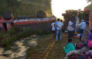 पुणे-मुंबई जुन्या महामार्गावर बस आणि ट्रकच्या अपघातात २५ प्रवासी जखमी