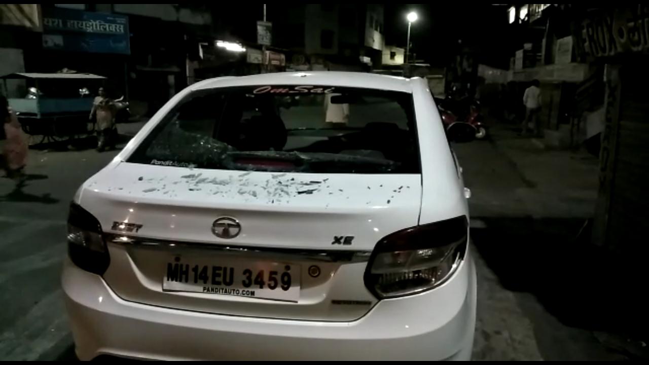खराळवाडीत टोळक्याकडून वाहनांची तोडफोड (व्हिडीओ)
