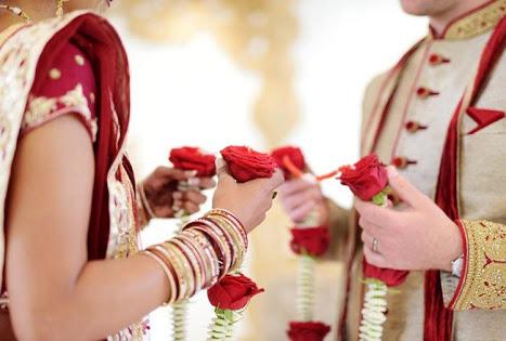 लग्नात बूट लपवल्यावरुन वाद; नवरदेवासह वऱ्हाडी मंडळींना खोलीत कोंडून बेदम मारहाण