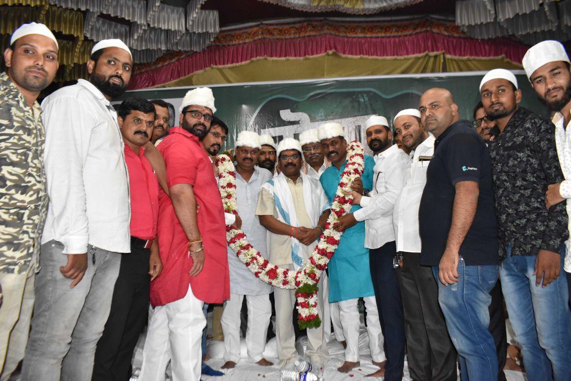 आमदार महेश लांडगे आयोजित 'रोजा इफ्तार पार्टी' उत्साहात