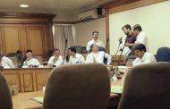 स्थायी बैठक : एेनवेळच्या 'अर्थ'पूर्ण विषयांसाठी आयुक्तांसह पदाधिकारी दीड तास ताटकळत?