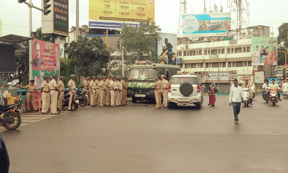 महाराष्ट्र बंद : पिंपरी चिंचवडमध्ये पोलिसांचा मोठा बंदोबस्त, बाजारपेठेतील सर्व दुकाने बंद