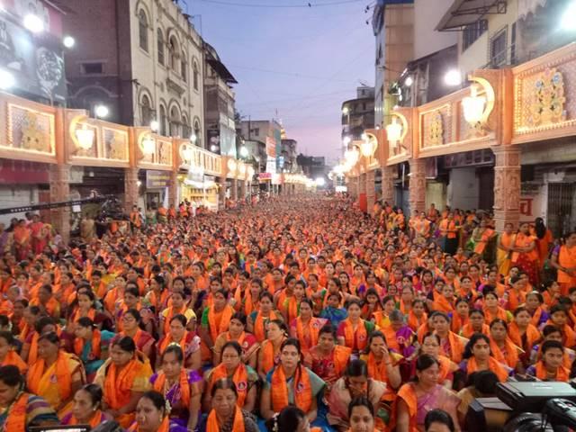 श्रीमंत दगडूशेठ गणपतीसमोर अथर्वशीर्षातून २५ हजार महिलांचा स्त्रीशक्तीचा जागर