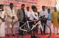 पिंपरी चिंवडमधील ११ वर्षाच्या शाश्वत शिंदे याचा सायकल चालविण्यात 'जागतिक विश्वविक्रम'