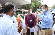 विभागीय आयुक्त डॉ.दीपक म्हैसेकर यांनी केली वायसीएम रूग्णालयाची पाहणी