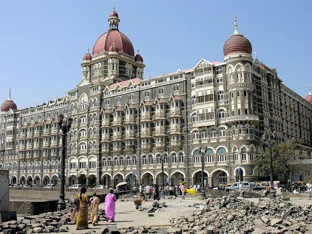 ताज हॉटेल उडवून देण्याची धमकी, पाकिस्तानमधून फोन..!