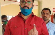पुणे पदवीधर निवडणुक : आमदार महेश लांडगे यांनी मतदानाचा हक्क बजावला..!