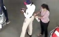 अखेर 'ती' पैसे स्विकारणारी महिला वाहतूक पोलिस निलंबित..!