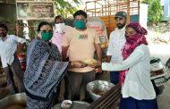 पिंपरी युवासेना व आशिर्वाद महिला संघाकडून फुगेवाडी, दापोडीतील सफाई कामगारांना भोजन वाटप
